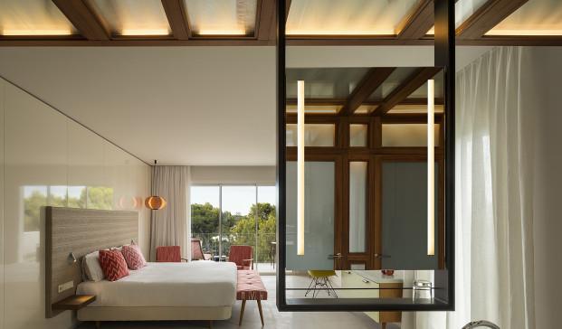 suite hotel cala esmeralda en baleares en diariodesign