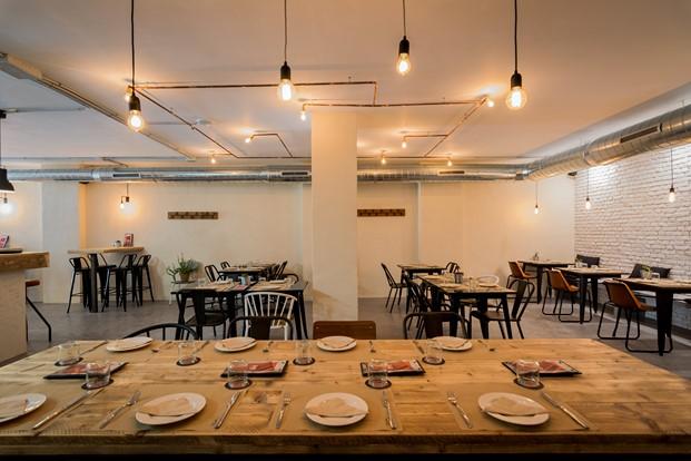 Restaurante Sudeste de Estudio Arze 9 (Copiar)