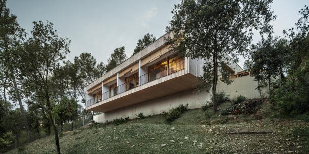 casa-llp-collserola-barcelona-alventosa-morell-arquitectes-adria-goula (18)