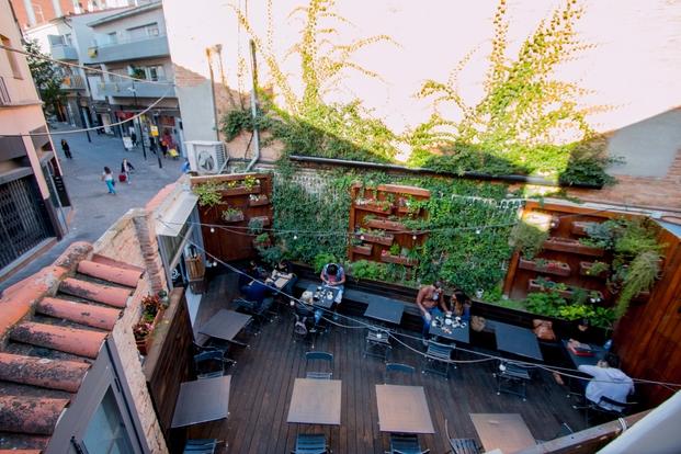 16 somewhere cafe
