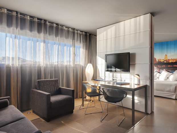 habitacion hotel barcelo malaga