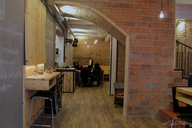 3 somewhere cafe