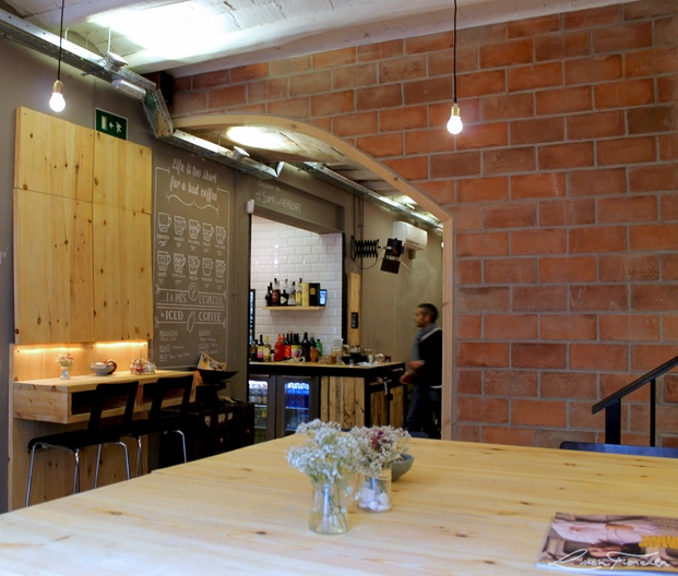 8 somewhere cafe