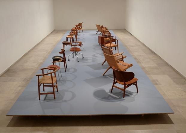 Hans Wegner 18 sillas un frutero y un mueble bar_Museo Patio Herreriano Valladolid 2015_01