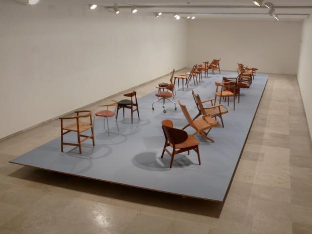 Hans Wegner 18 sillas un frutero y un mueble bar_Museo Patio Herreriano Valladolid 2015_02