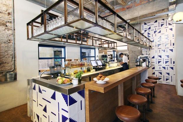 Teresa s la stairway to health comida r pida saludable for Sillas para local de comidas rapidas