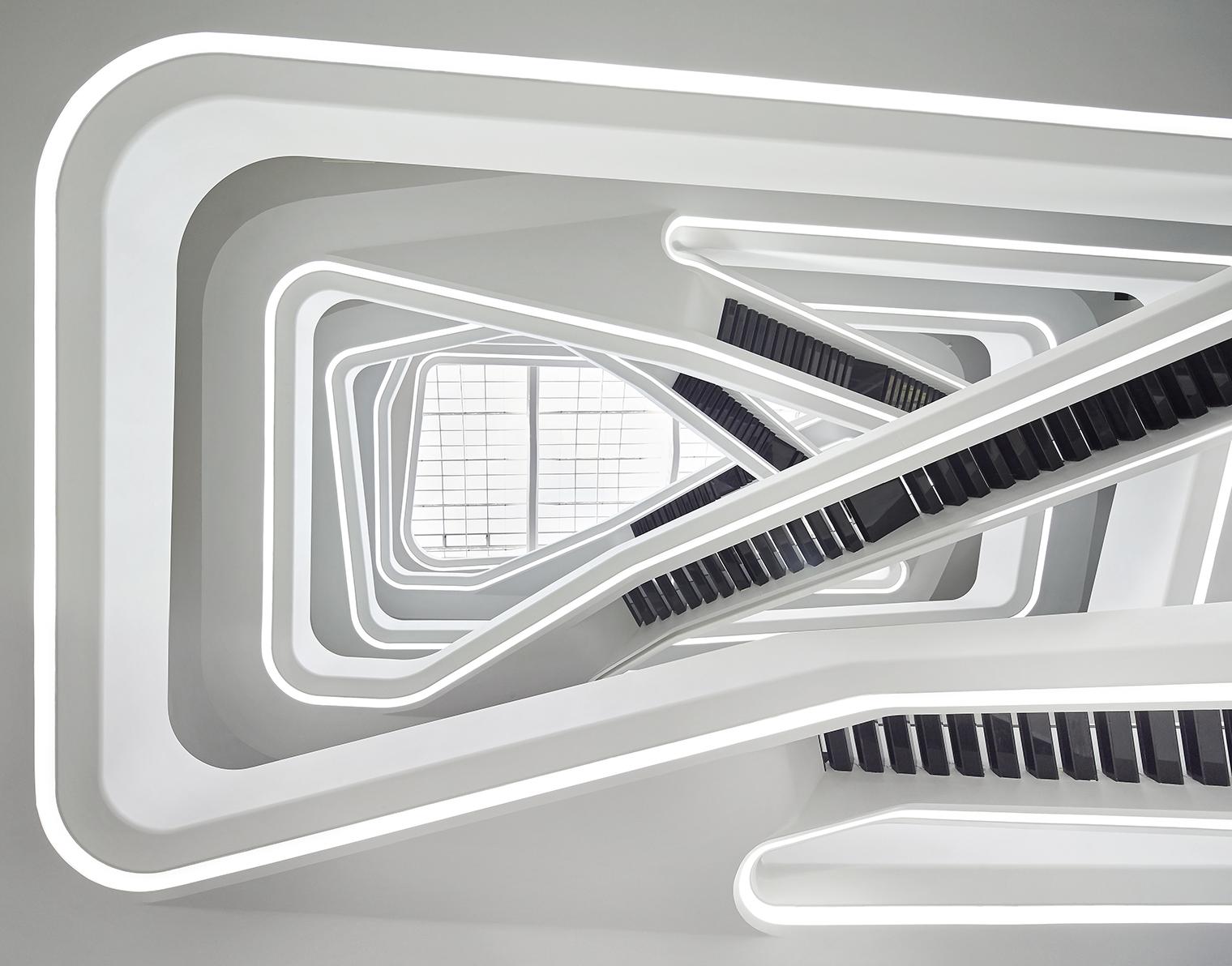 Zaha Hadid Archivos Diariodesign Com # Muebles De Zaha Hadid