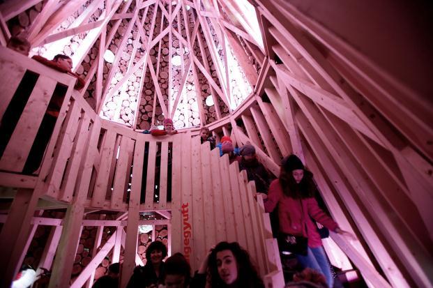 hello wood arboles de navidad budapest diariodesign