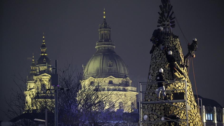 hello wood arboles de navidad budapest turos balazs