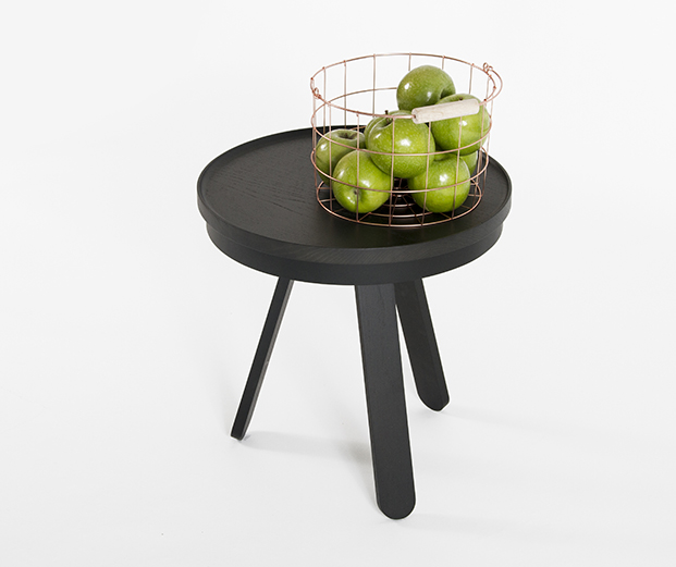 woodendot-auxiliary-batea-table-black-scene