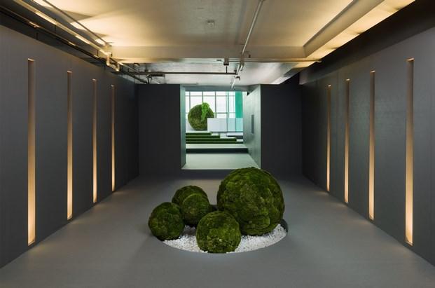tiendas cos Urban Landscape instalacion