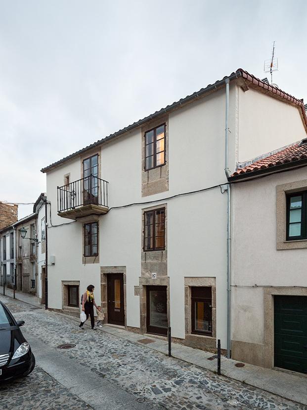 arrokabe casa-rua-do-medio-santiago-de-compostela-luis-diaz-diaz (23)