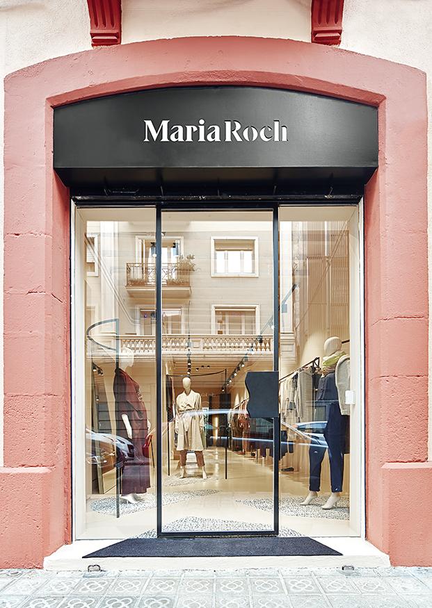 maria roch disenadora de moda nueva tienda en barcelona por cirera espinet diariodesign fachada