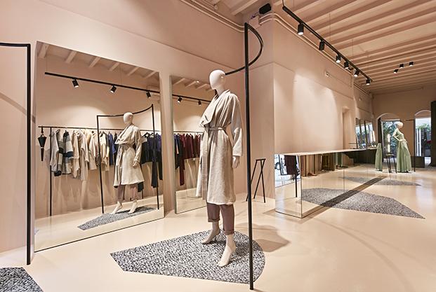 maria roch disenadora de moda nueva tienda en barcelona por cirera espinet diariodesign