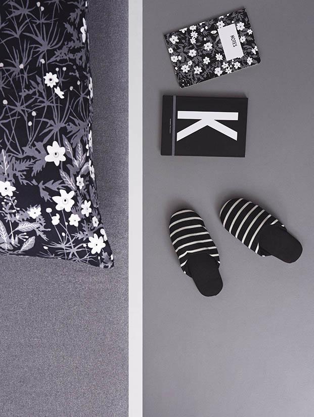 Pillowcase + notebook
