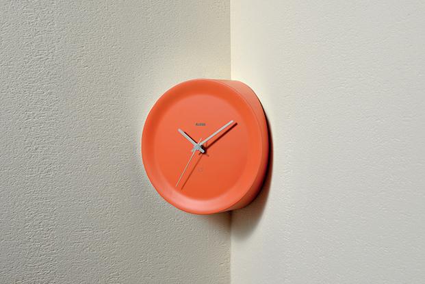 reloj de pared naranja coleccion de alessi diariodesign