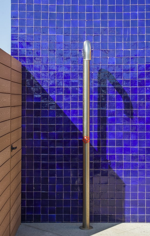 ducha exterior atelier de arte de miriam barrio diariodesign