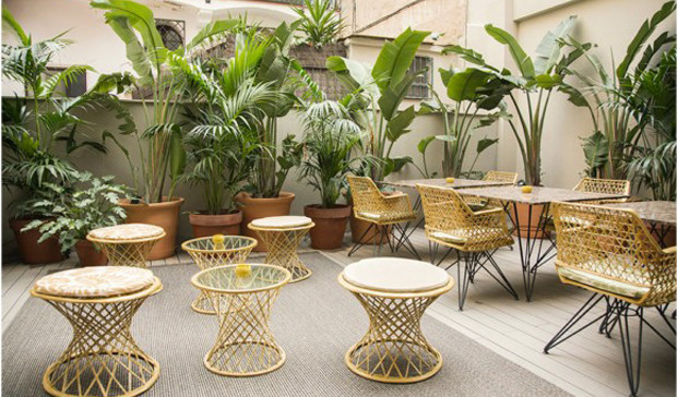 Yurbban Hotel en barcelona patio diariodesign