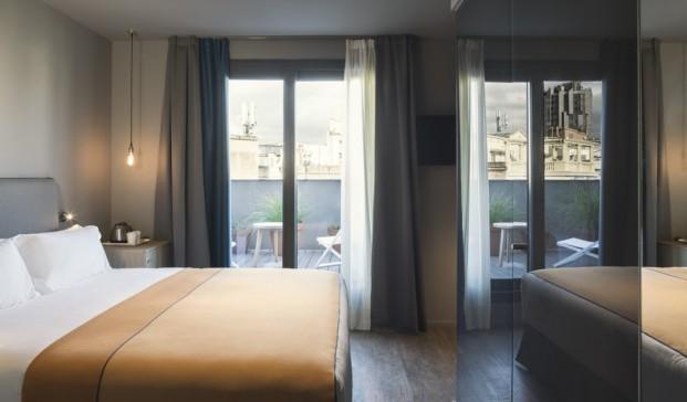 habitacion con terraza en Yurbban Hotel Barcelona diariodesign