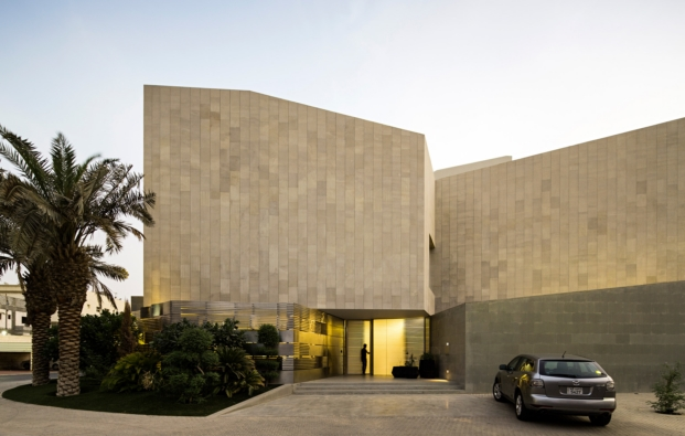 agi-wall-house-kuwait (14)
