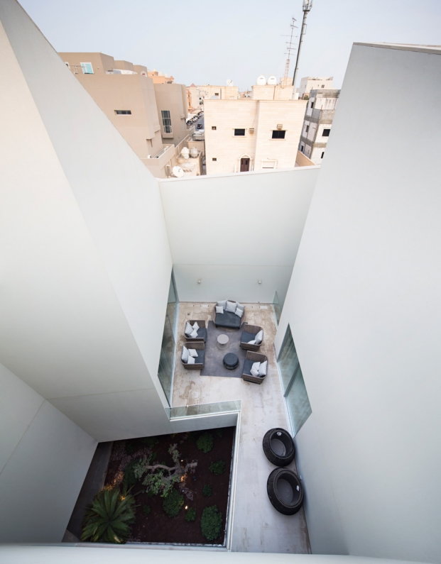 agi-wall-house-kuwait (24)
