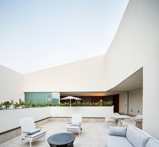 agi-wall-house-kuwait (30)