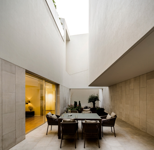 agi-wall-house-kuwait (31)