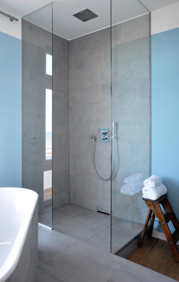 Vesper Hotel bath