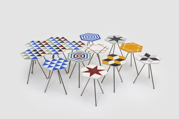 mesas cemento Riad de diseño Álvaro Catalán de Ocón