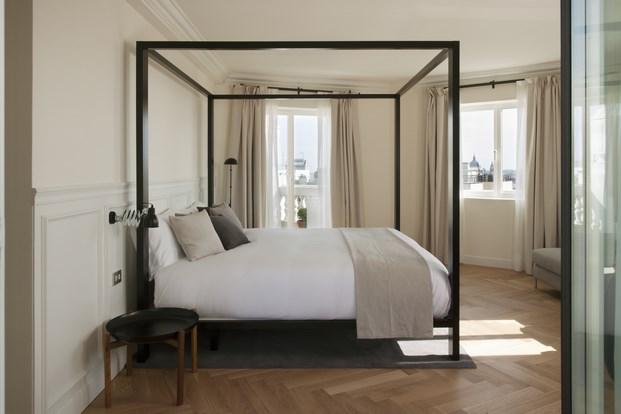 cama habitacion dear hotel en madrid