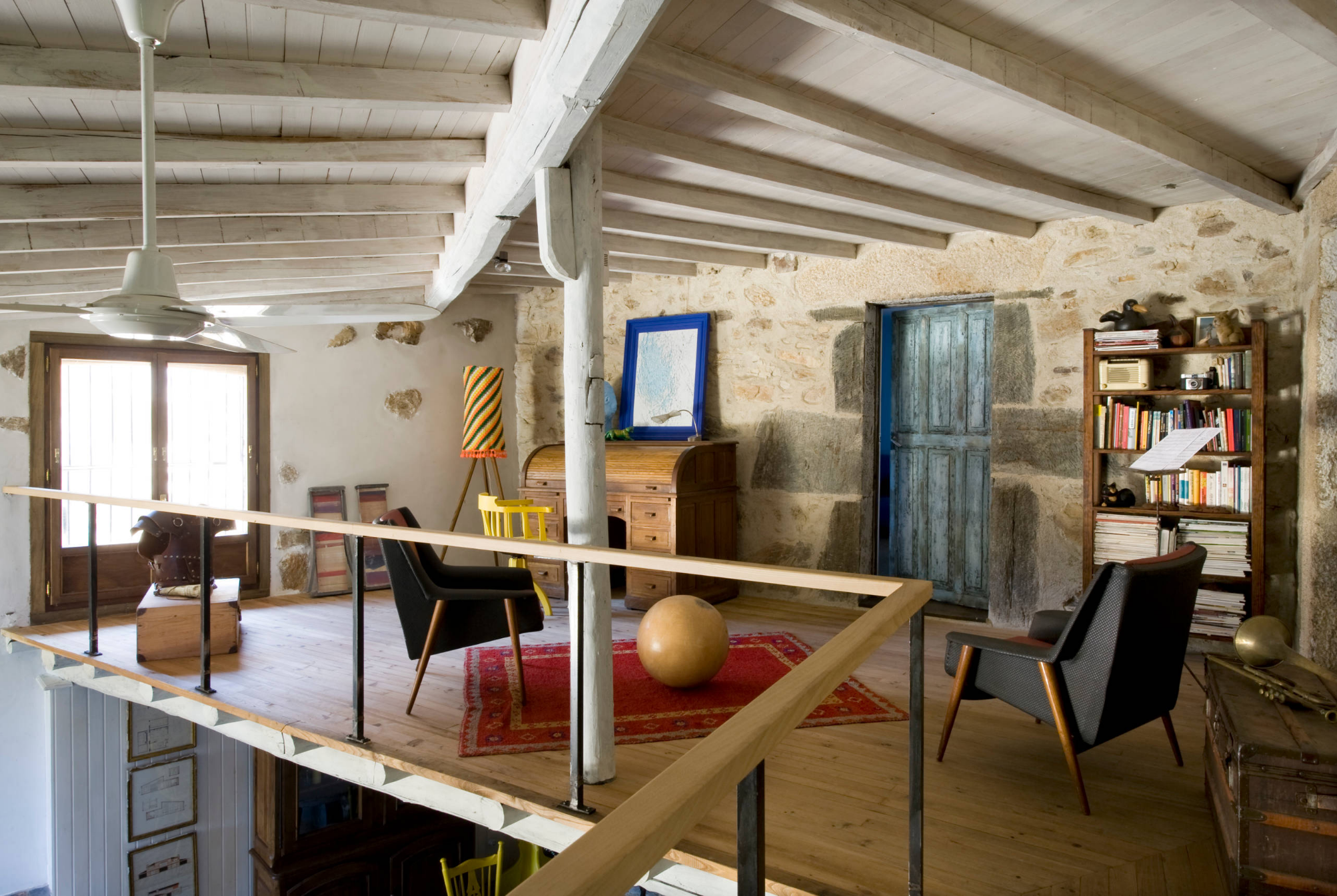 Houzz espa a casa gallega de vacaciones for Decoracion de viviendas interiores