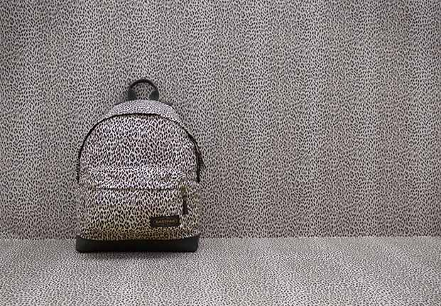 eastpak-Wild Card_Butterscoth_1