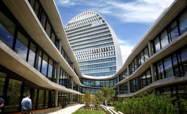 edificio La Vela BBVA visita durante festival Ope House 2016 en Madrid