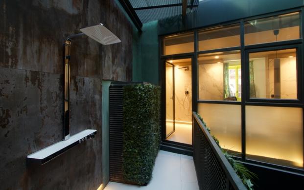 opta-arquitectos-casa-decor-16-ducha-pared-dekton-trilium-y-suelo-dekton-ventus (1)