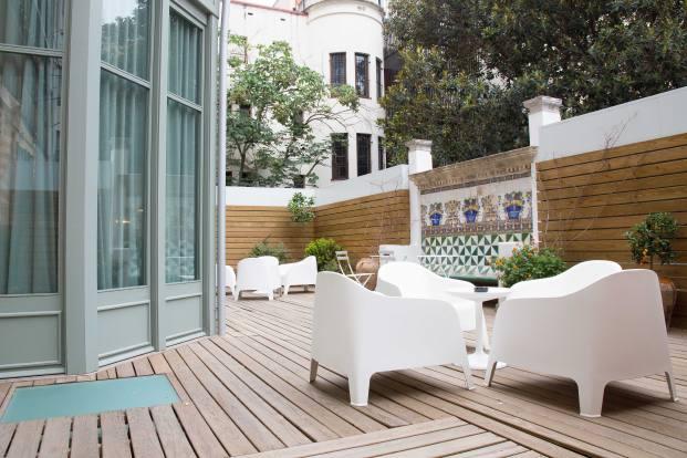 terraza hotel casa mathilda de espacio en blanco en diariodesign