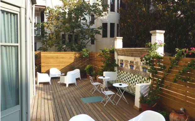 patio hotel casa mathilda de espacio en blanco en diariodesign