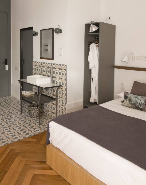 bano hotel casa mathilda de espacio en blanco en diariodesign