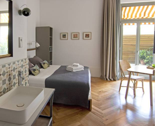 Casa mathilda bed breakfast en barcelona - Espacio en blanco ...