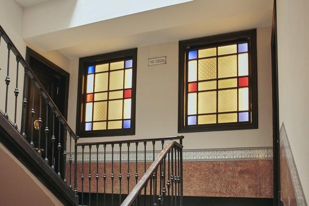 escalera hotel casa bonay en barcelona diariodesign