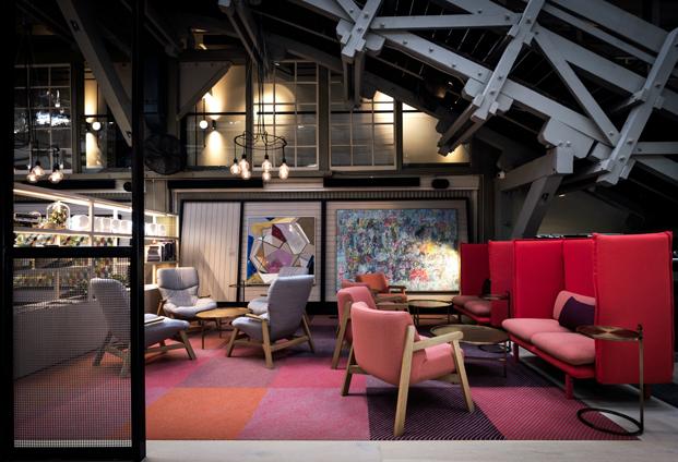 hotel Ovolo en un muelle de Woolloomooloo en sidney butacas sancal diariodesign