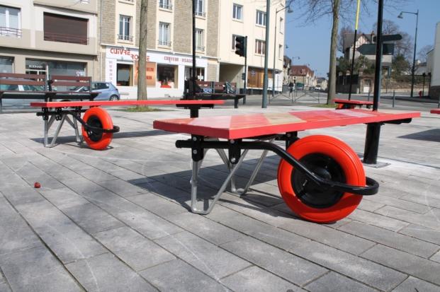 banco mobiliario urbano en Rennes de enorme studio diariodesign