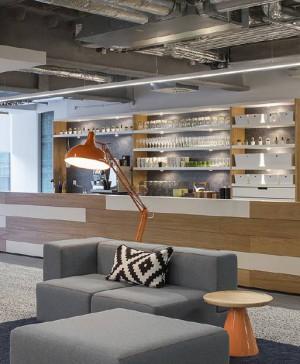 oficinas HostelWorld Dublin Viccarbe en diariodesign