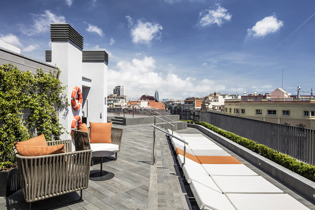 3-MIDTOWN APARTMENTS-Rosa Rosselló