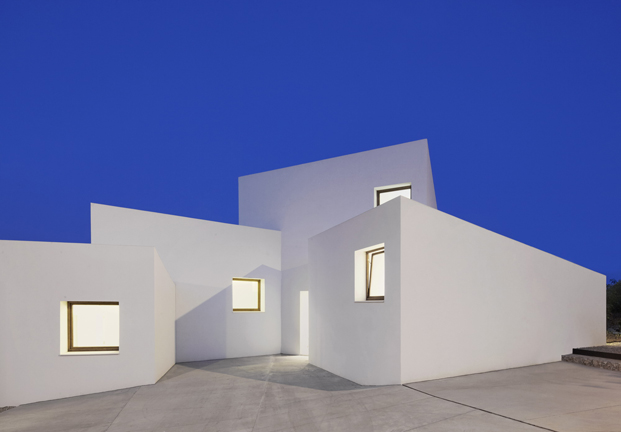 MM House de Ohlab color blanco en diariodesign