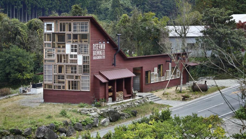 kamikatz public house de hiroshi nakamura and nap zero waste diariodesign