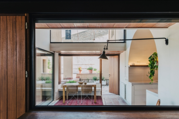 mesura-architecture-sant-mori-ampliacion-girona-housing-project-spain-arquitectura-12