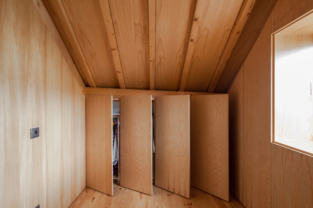 8-the-three-cusps-chalet-tiago-do-vale-architects