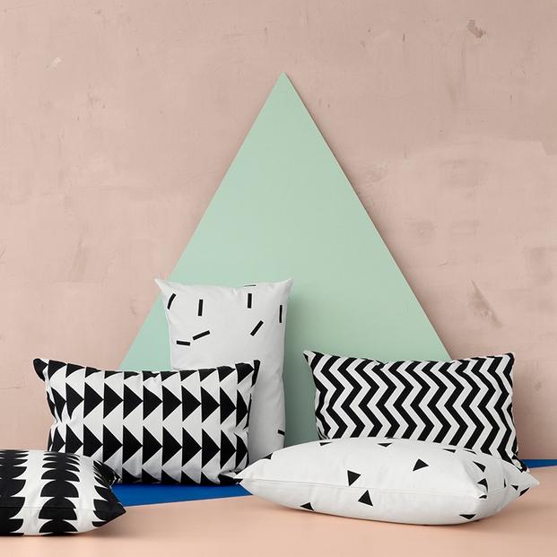 cushions-black