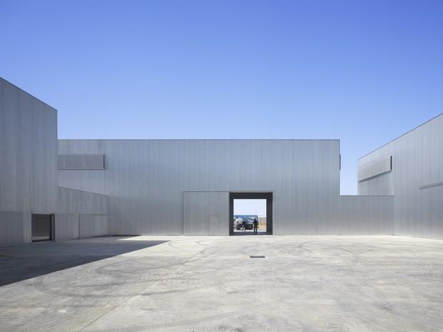Industria de montajes eléctricos de José maría Sánchez García arquitectura española