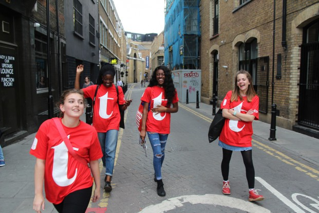 london-design-festival-voluntarios